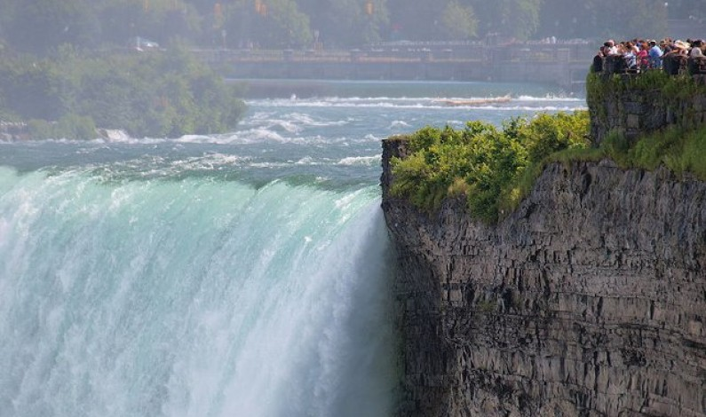 Niagara Falls considers going back to its daredevil past
