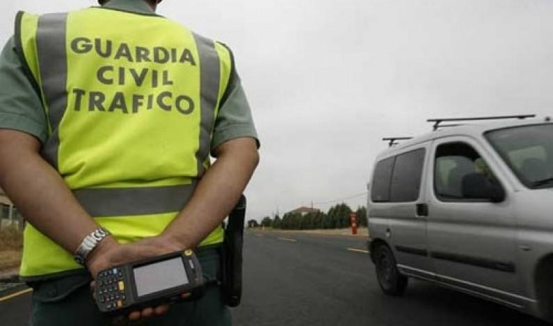 La Guardia Civil realizó 855 pruebas de alcoholemia y 15 de drogas durante el pasado fin de semana