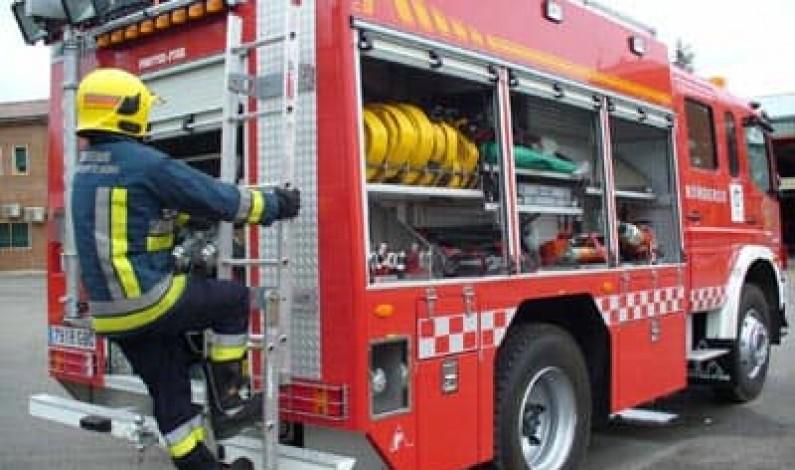 Cinco afectados en el incendio de una vivienda