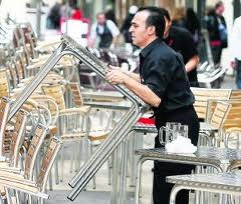 La Junta de Castilla y León reclama al Ministerio de Trabajo medidas para no penalizar a la hostelería por la apertura de terrazas