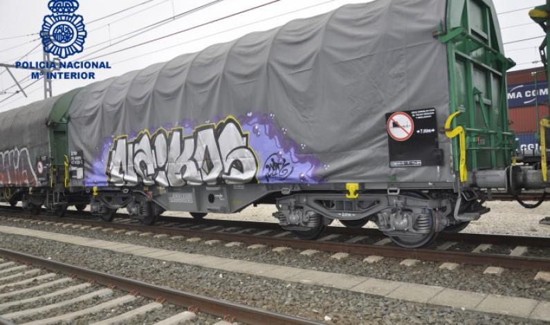 Detenido un grupo de grafiteros que actuaban en las instalaciones ferroviarias de Villafría