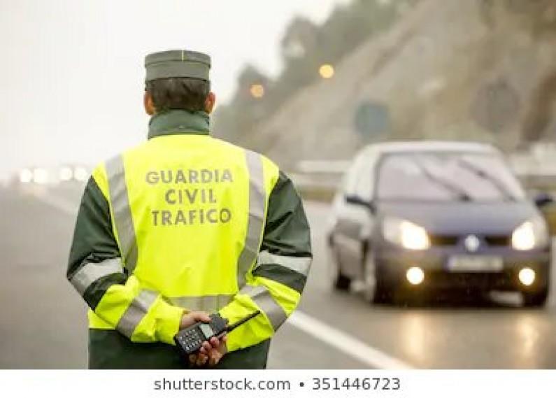 La Guardia Civil detiene a dos personas por incumplimiento reiterado de la restricción de circulación