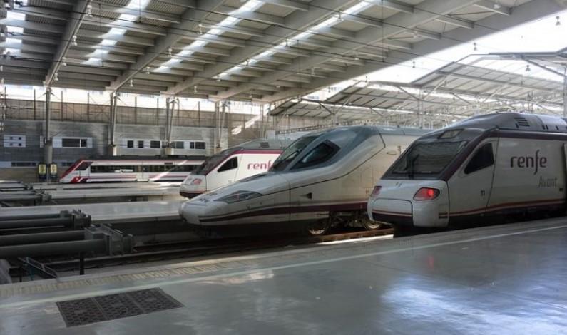 El Partido Popular pide respuestas a Ábalos en su visita a Burgos sobre el AVE, el tren directo y las autovías