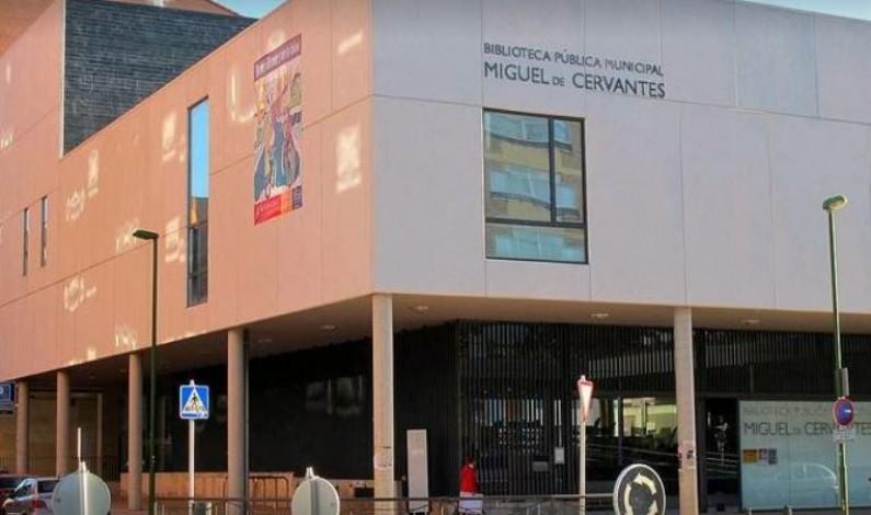 Rosario Pérez Pardo considera un éxito que la red de bibliotecas municipales superara los 200.000 usuarios anuales en plena pandemia