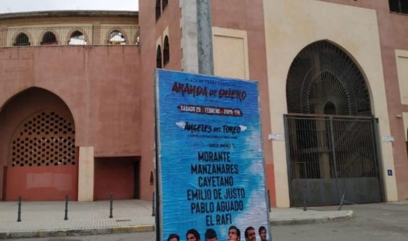 Las peñas de Aranda de Duero ponen color al festival «Los Ángeles del Toreo»