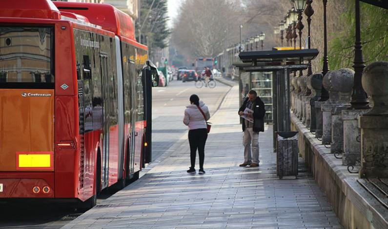 Los autobuses urbanos eliminan sus restricciones de aforo