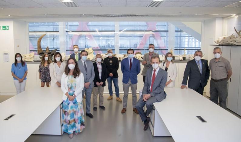 Pedro Duque visita el Centro Nacional de Investigación sobre la Evolución Humana