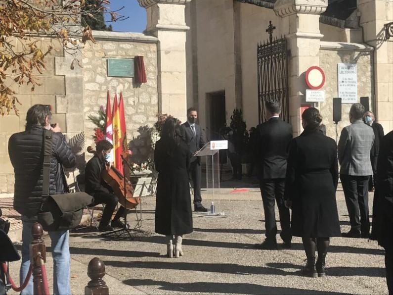 Homenaje en recuerdo a las víctimas del COVID-19