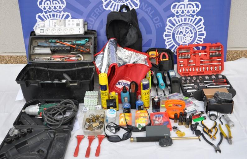 La Policía Nacional esclarece numerosos robos en vehículos y  el hurto de combustible en varios camiones en Aranda de Duero