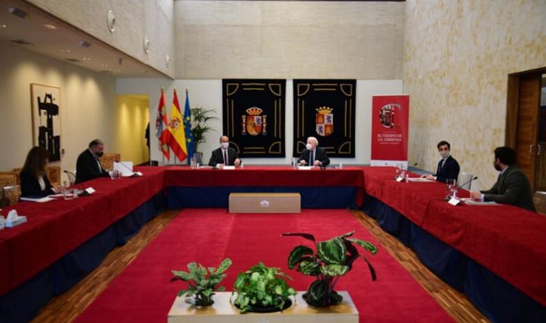 """Fuentes aboga por coordinar los trabajos en torno al VIII Centenario de la Catedral de Burgos y el V de la batalla de Villalar """"para dinamizar el territorio"""""""
