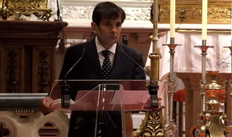 El Doctor José Antonio Fernández Ratero, jefe de la UCI del HUBU, realiza el Pregón de Navidad de la Fundación Cajacírculo