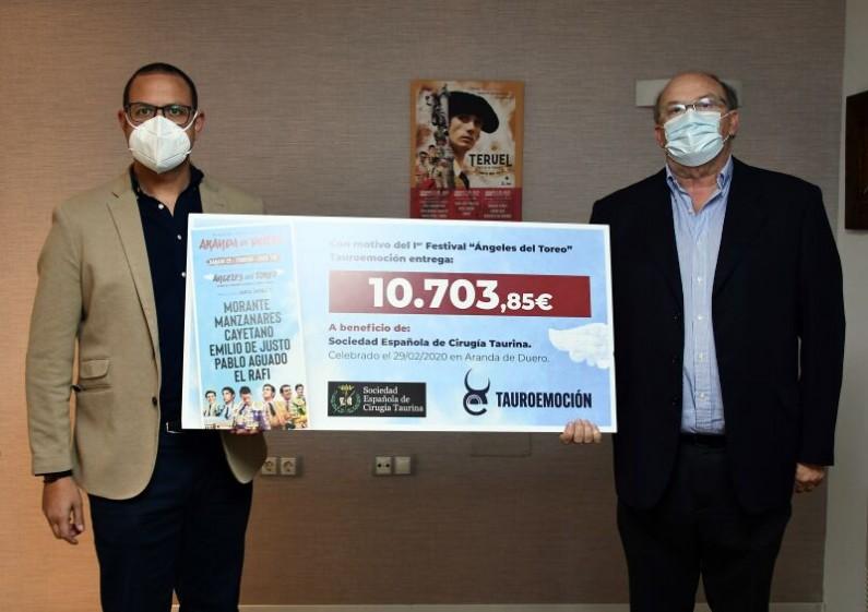 Tauroemoción hace entrega de los 10.703€ del festival «Los Ángeles del Toreo» celebrado en Aranda de Duero