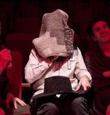 Atresbandes y Bertrand Lesca & Nasi Voutsas llevan a escena las tensiones entre arte y corrección política en «It don't worry me», programada para este viernes y el sábado en el Festival Escena Abierta