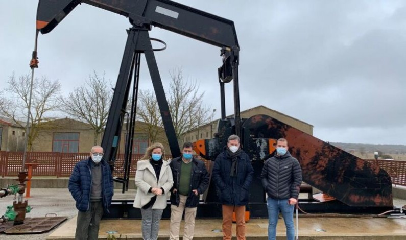 Los senadores populares exigirán al Gobierno salvar el patrimonio industrial del yacimiento  petrolífero de La Lora