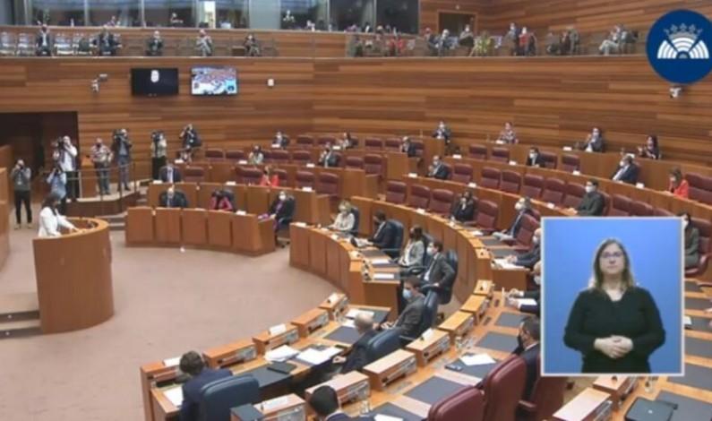 Comienza el debate de la moción de censura en Castilla y León