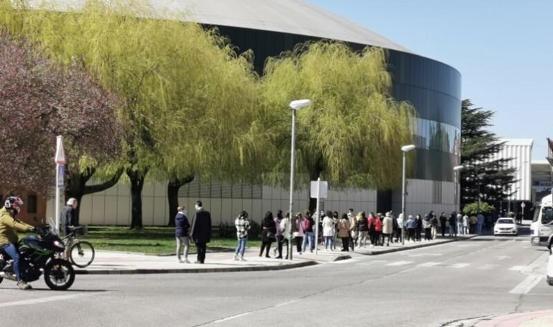 Continúan las vacunaciones en Burgos para los nacidos entre 1964 y 1966 en el Coliseum