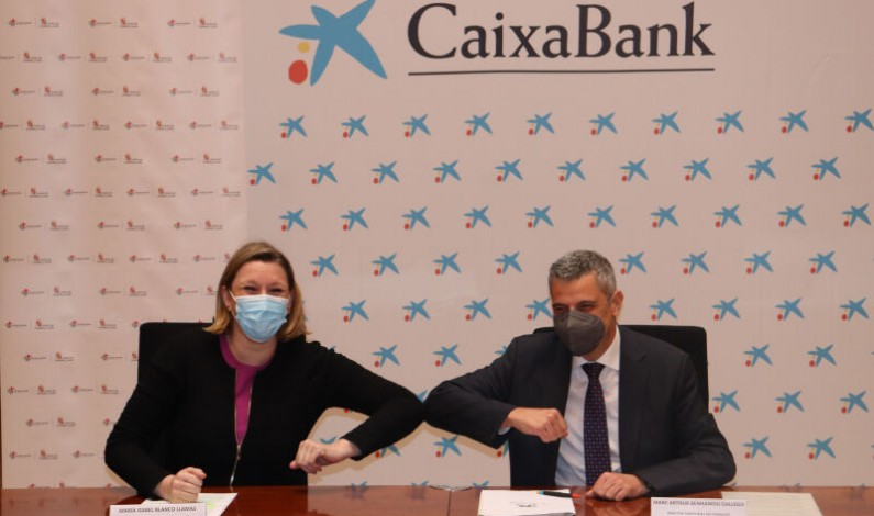 La Junta y MicroBank apuestan por la creación de empleo