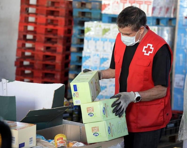 UNESPA dona a Cruz Roja Burgos 11.480€ para apoyar a las personas en situación de vulnerabilidad debido a la pandemia