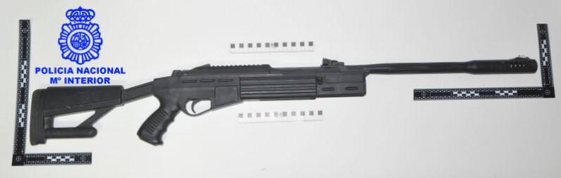 La Policía Nacional de Burgos identifica a un hombre que disparaba con una carabina a las palomas
