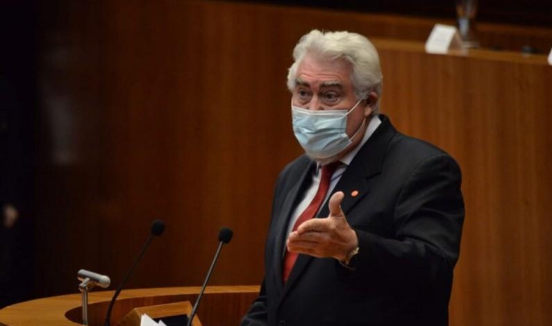 Delgado a la oposición: «Nuestra política sanitaria se basa en los resultados, no en el frentismo ni el populismo fácil»