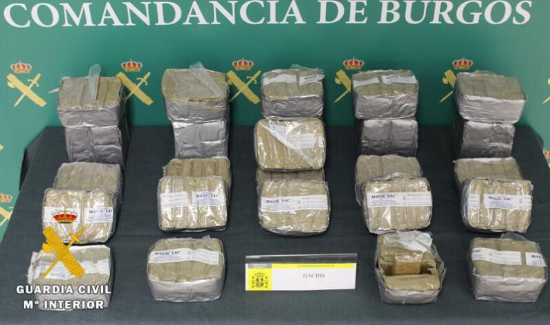 La Guardia Civil aprehende 16 kg de hachís en la AP-I