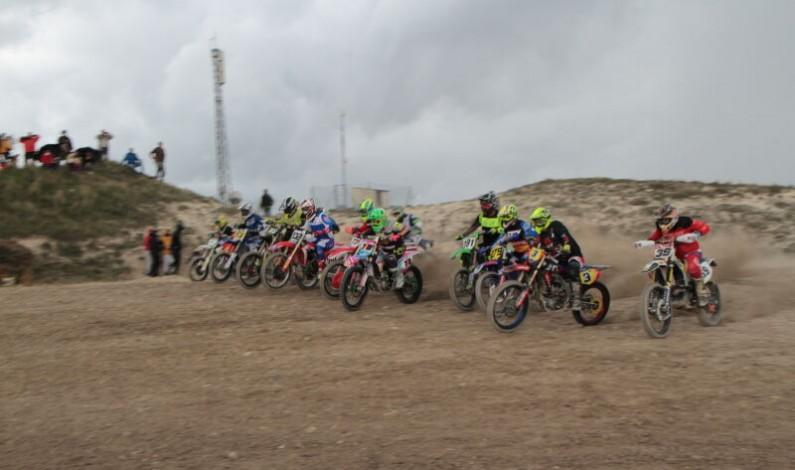 Éxito del motocross en Castrojeriz a pesar de la lluvia