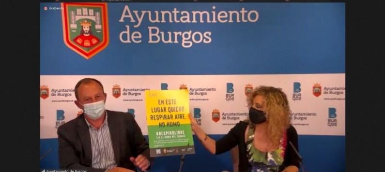 Blanca Carpintero: «Recomendamos que no se fume en la entrada de hospitales, colegios, guarderías, o edificios públicos»
