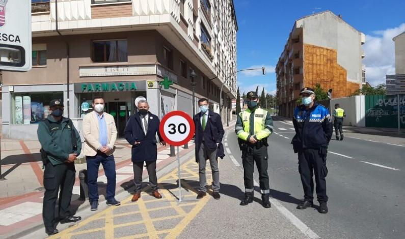 La Subdelegación del Gobierno en Burgos, la DGT y el Ayuntamiento de Briviesca presentan la nueva reforma legal que limita a 30 km/h la velocidad en calles de un único carril por sentido