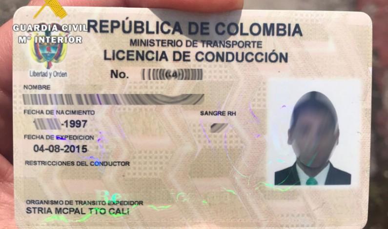 La Guardia Civil investiga a un conductor por presentar un permiso de conducir falso