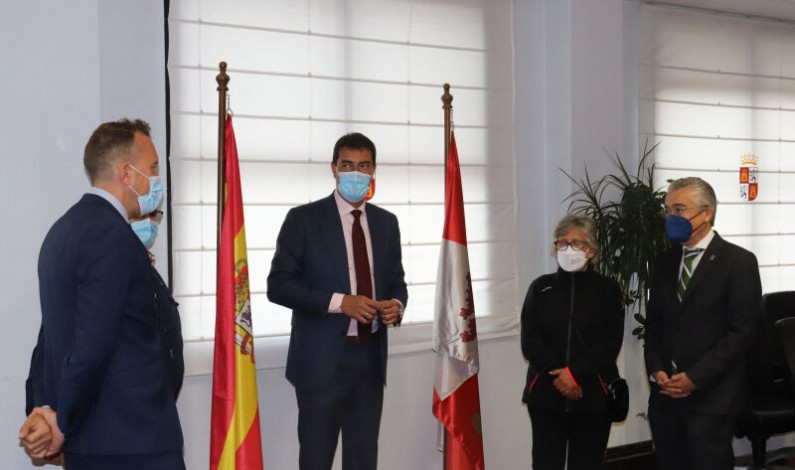El Consejero de Presidencia se reúne con la alcaldesa de Ahedo de Bureba tras la supresión de su entidad menor