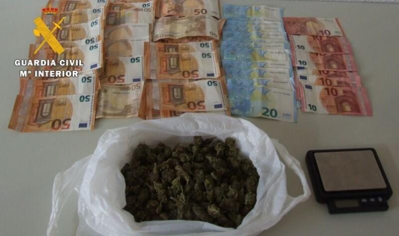 La Guardia Civil detiene a una persona con 120 gramos de marihuana para su venta en el norte de Burgos