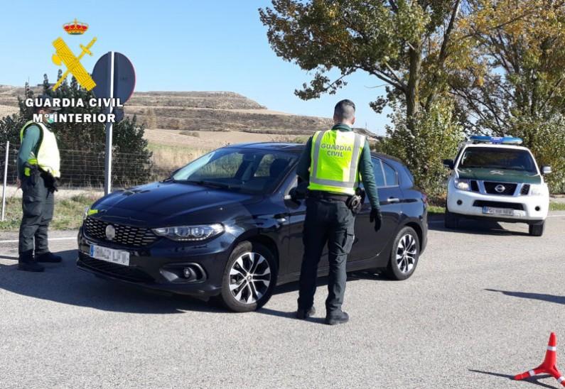 La Guardia Civil intercepta un vehículo por conducción temeraria en La Ribera