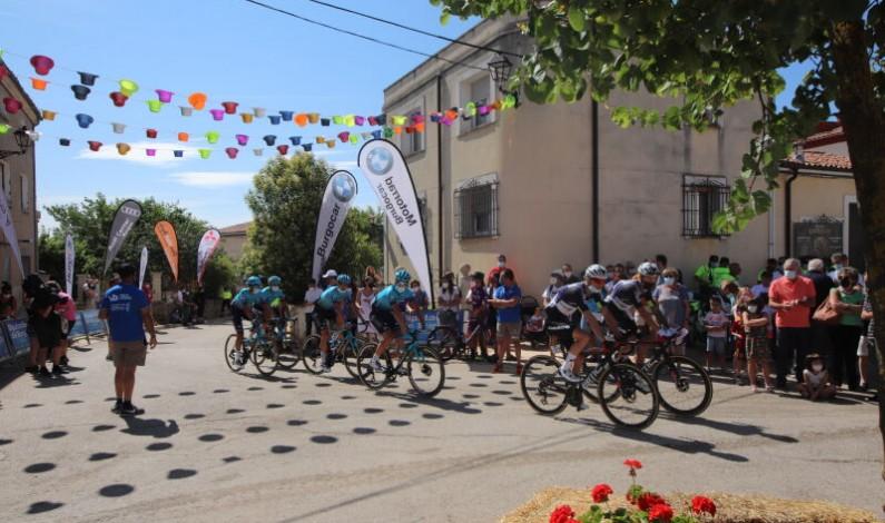 Romain Bardet alcanza la victoria de la tercera etapa y el liderazgo de la Vuelta a Burgos