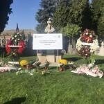 Placa en memoria de las víctimas del covid-19