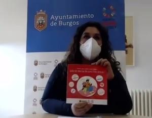 """Estrella Paredes con la """"Guía de educación afectivo sexual"""""""