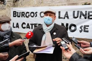 """Portavoz de la Plataforma """"Puertas No"""" durante la comparecencia a los medios de comunicación"""