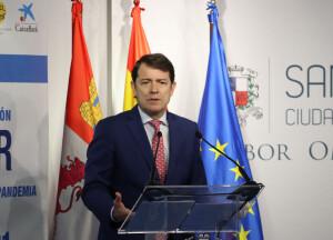 El presidente de la Junta de Castilla y León, Alfonso Fernández Mañueco, durante su intervención