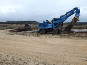 Desmantelamiento de los caballitos de extracción de petroleo en Sargentes de la Lora